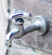 立水栓から水漏れ