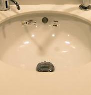 洗面台の排水口から異臭